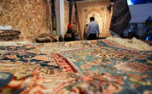 rugs - PERSIAN RUGS VS. ORIENTAL DIFFERENCE